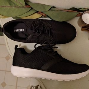 Forever 21 Black Athletic Tennis Shoes (Size 8/9)